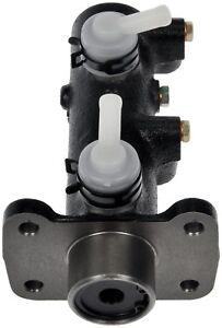 Brake Master Cylinder For 2002-2004 Mitsubishi Fuso FG FG649 2003 Dorman M630786
