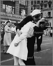 Photo: Times Square Kiss After Japan's Surrender, August 14, 1945