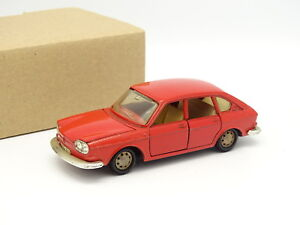 Marklin SB 1/43 - VW 411 Rouge