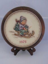 Goebel Hummel Ride Into Christmas (1975) Annual Plate Bas Relief Framed w/ Box