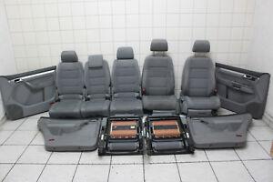 VW Touran 2,0l TDi - Innenausstattung Sitze mit 3. Sitzreihe Türpappen