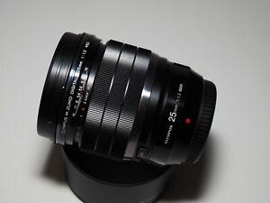Olympus 25mm f1.2 PRO m.zuiko lens
