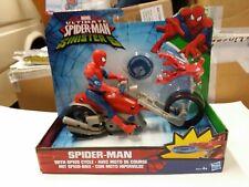 Personaggio spiderman con moto