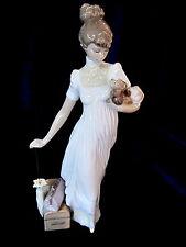 LLADRO #6753 TRAVELING COMPANION BNIB LADY DRESS DOG LUGGAGE UMBRELLA SAVE$ F/SH