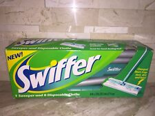 SWIFFER SWEEPER WITH CLOTHS