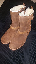 Womens UGG #5604 Endell Sz 9  Brown Leather Sheepskin Lined Boots - NWB - Mint