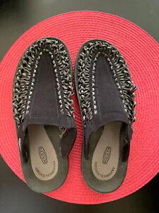KEEN Men's 7, Women's 9 Black UNEEK Braided Cord Slip On Shoes Sandals