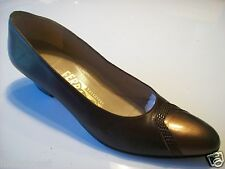 Vintage Salvatore Ferragamo Brown Leather Pumps Shoes Size 7 AAAA Narrow @cLOSeT