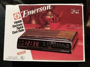 Rare NOS New Vintage Emerson FM/AM Electronic Digital Clock Radio Model RED5520