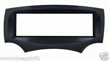 Mascherina con foro ISO colore nero Ford Ka 09>