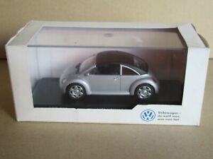 Minichamps 266 VW New Beetle 1:43 +Box Dealership Sign Volkswagen