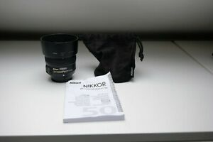 Nikon Nikkor AF-S 50mm F/1.8 G Lens, with pouch and hood, good condition.