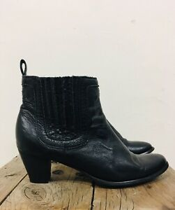 URGE Black Leather Ankle Boot Ladies Size 41 Western Style Excellent Condition