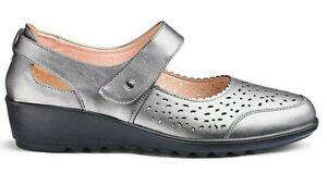 Lifestyle by Cushion Walk Womens Leather Upper, Velco Fastening Loafer Flat Shoe