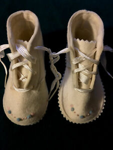 Vintage Felters Company Cradle Day 100% Wool Felt Baby White Embroidered Shoes