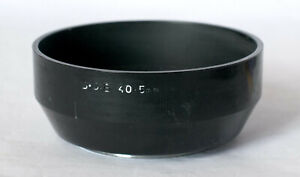 BDB plastic 40.5mm lens hood with metal threads.