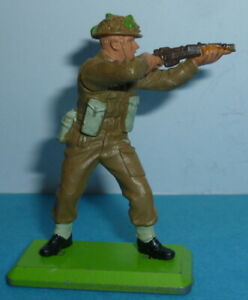 Britains Deetail Army WW2 Figure