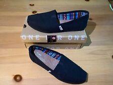 TOMS Women's Black Canvas Size US 7 Slip On Shoe NEW w/box