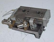 Vérin pneumatique sur rail réf. SMC MX Q12-30 - course du chariot 30 mm