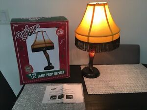 """LEG LAMP from """"A Christmas Story"""" Prop Replica Light 20"""" Neca '08 w/Box Used"""