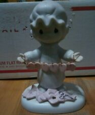 Precious Moments Figurine - You have touched so many hearts - ©1983 - E-2821