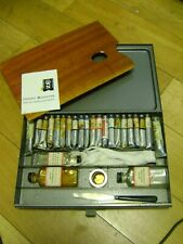 Winsor and Newton Artists Oil Paints Set in steel box with mahogany palette