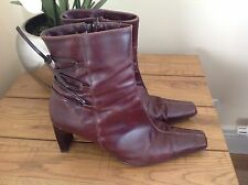 ladies fab reddish brown and black fashion heeled boots 7