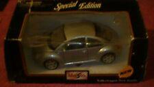 "Maisto - 1/24 - #31975 ""New"" Volkswagen Beetle - Silver"