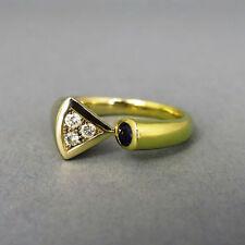 Echtschmuck im Solitär-Stil mit Akzentsetzung und P1 Reinheit Ringe