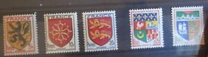 Lot 5 timbres Armoiries Blasons France neufs ** luxe