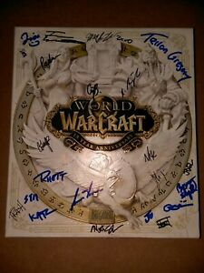 World Of Warcraft 15th Anniversary Collectors Edition signed no statue