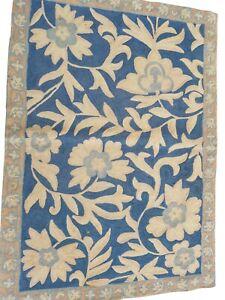 829 - Beautiful Handmade Vintage Fine Wool Needlepoint Tapestry Wall Hanging.