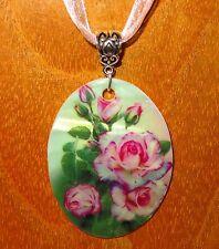 Genuino estilo ruso pequeño Giclee Rosa Rosa Flores Colgante Shell Lindo Regalo