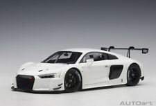 AUTOart 81602 - 1/18 Audi R8 LMS Plain Body Version (white) (composite model)