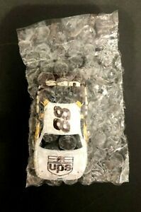 NEW Life-Like #88 Dale Jarrett UPS Ford Taurus HO Slot Car