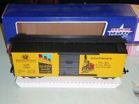 USA TRAINS G SCALE BOX CAR 1994 THE BIG TRAIN SHOW QUEEN MARY YELLOW TRAIN