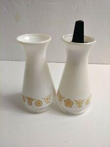 Vtg Corelle/Corning Ware 70's Butterfly Gold Salt & Pepper Shakers 1 missing lid