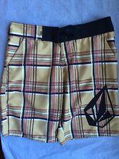 "Juniors Volcom ""Poison Oak"" Board Shorts Size 1 (4 Pockets)"