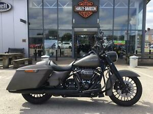 2018 Harley-Davidson TOURING FLHRXS ROAD KING SPECIAL FLHRC Vivid Black (18MY) C