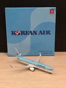 Hogan 1:400 Korean Air B737-900 HL-7718