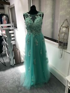 Green prom dress size 8 , ballgown lace & tulle