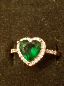 US SELLER Luxury Rose Gold FILLED GREEN EMERALD SIMULATED Heart Ring SIZE 10