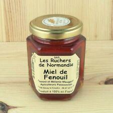 Miel de fenouil au Normandie est produit de tiroir et le travailled'apiculteur