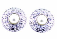 2.5cm silver tone circle plate stud earrings with pearl and crystal
