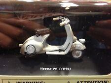 MAQUETA COLECCION VESPA 98 (1946) 1:32 NEWRAY 06043
