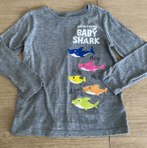 Old Navy Boys 5T Baby Shark Long Sleeve Graphic Tee Shirt 5T ADORABLE Preowned