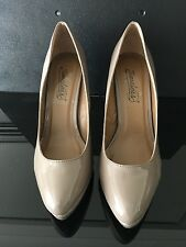 Ladies Nude Shoe, Timeless, Size 8, New Without Box