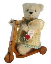 Hermann Bear Summerwind On Her Scooter Growler LE 19/800 Germany