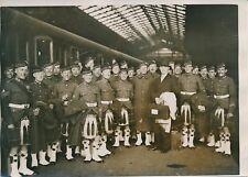PARIS c. 1930 - Musiciens Écossais en Kilt Train Gare Parisienne - PRM 295