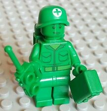 LEGO Toy Story Green Army men Medic Minifigure lot w/ Backpack & briefcase